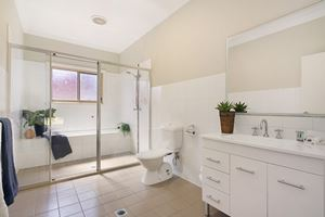 The Bathroom of a 2 Bedroom Townhouse Apartment at Birmingham Gardens Townhouses.