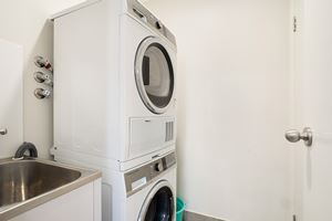 The Laundry of a 5 Bedroom Townhouse Apartment at Birmingham Gardens Townhouses.
