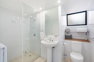 The Bathroom of Flagstaff Apartment