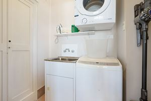 Laundry - Vista Apartment